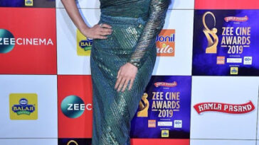 Actress Sophie Choudry Zee Cine Awards Red Carpet Photos 4