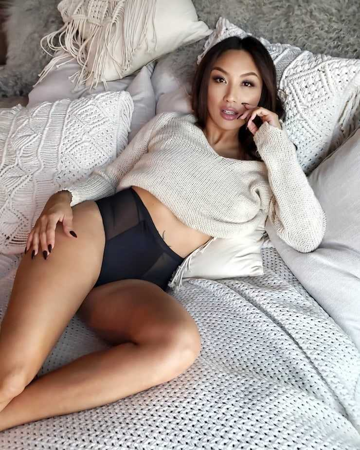 Jeannie Mai Hot Pics