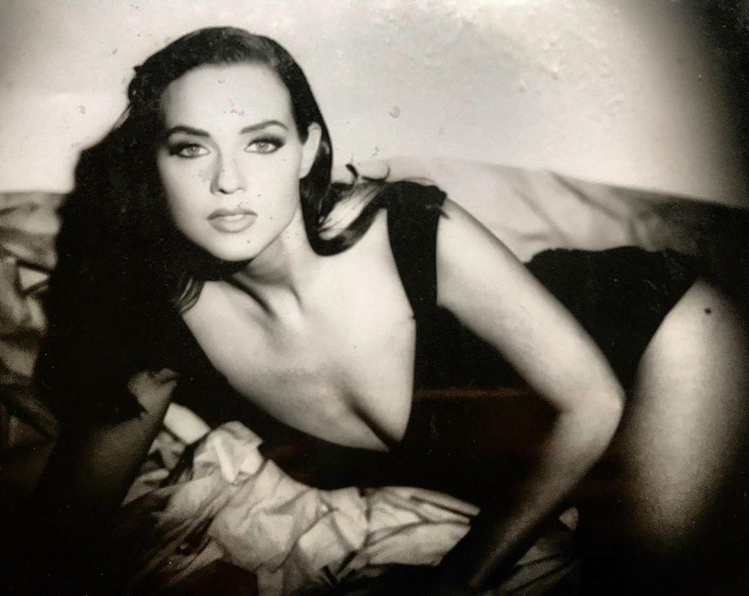 Braun nude suanne Sara Suzanne