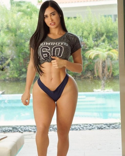 Sporty Girls 2020. I'd abandon my team in a heartbeat to root for hers . Well, they tried (25 Photos) 25