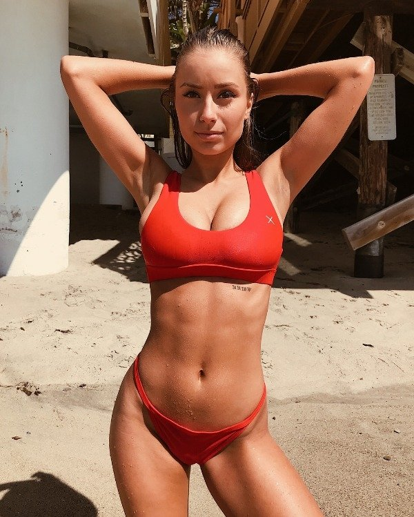 Hot Girls in sports bras have been running through my mind (32 Photos) 20
