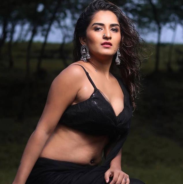 Hot Desi Model Latest Photoshoot Pics In Black Saree 2