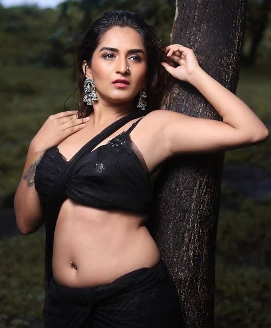 Hot Desi Model Latest Photoshoot Pics In Black Saree 3