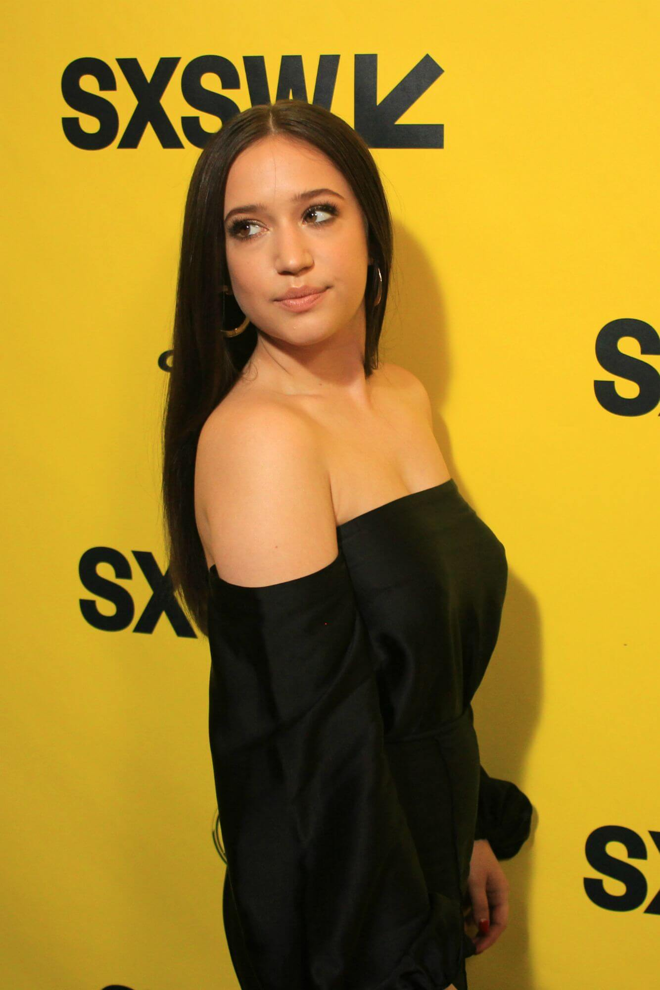 35 Gideon Adlon Nude Pictures Are Sure To Keep You At The Edge Of Your Seat 18