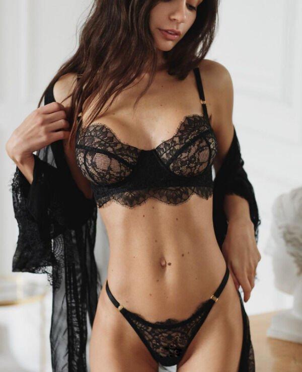 44 Hottest Girls In Lingerie 38