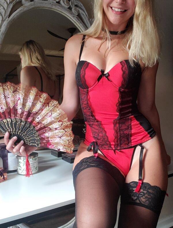 44 Hottest Girls In Lingerie 9