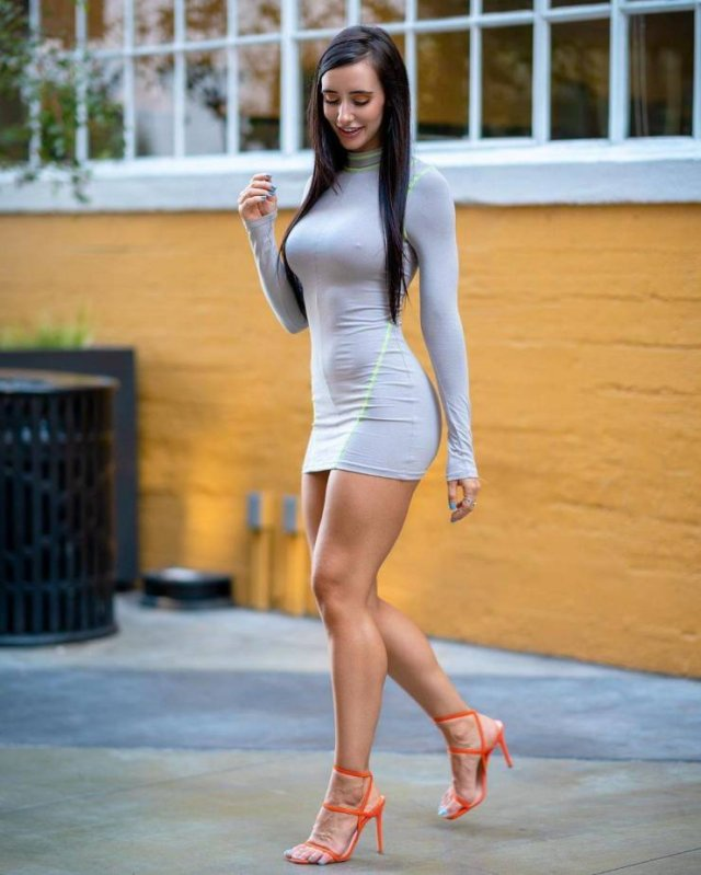 49 Hot Girls In Tight Dresses 1