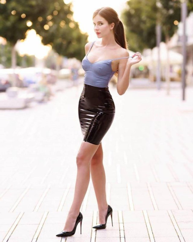 49 Hot Girls In Tight Dresses 36