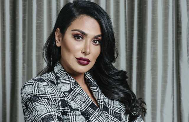 51 Hottest Huda Kattan Big Butt Pictures Which Will Make You Slobber For Her 29