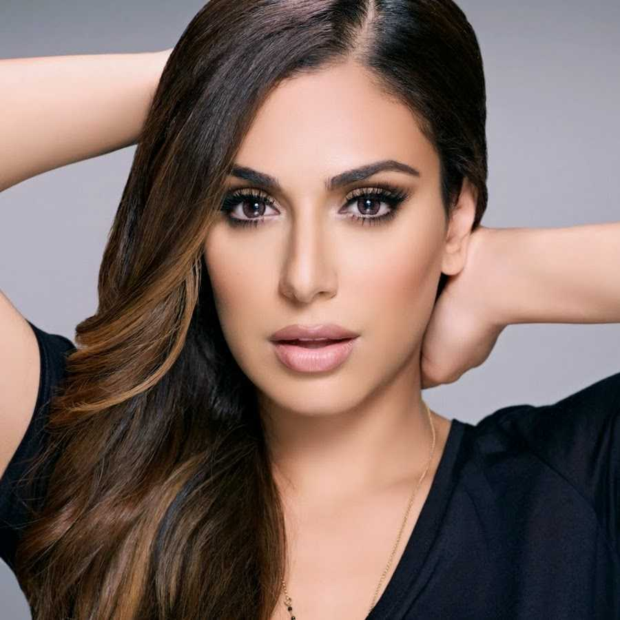 51 Hottest Huda Kattan Big Butt Pictures Which Will Make You Slobber For Her 28