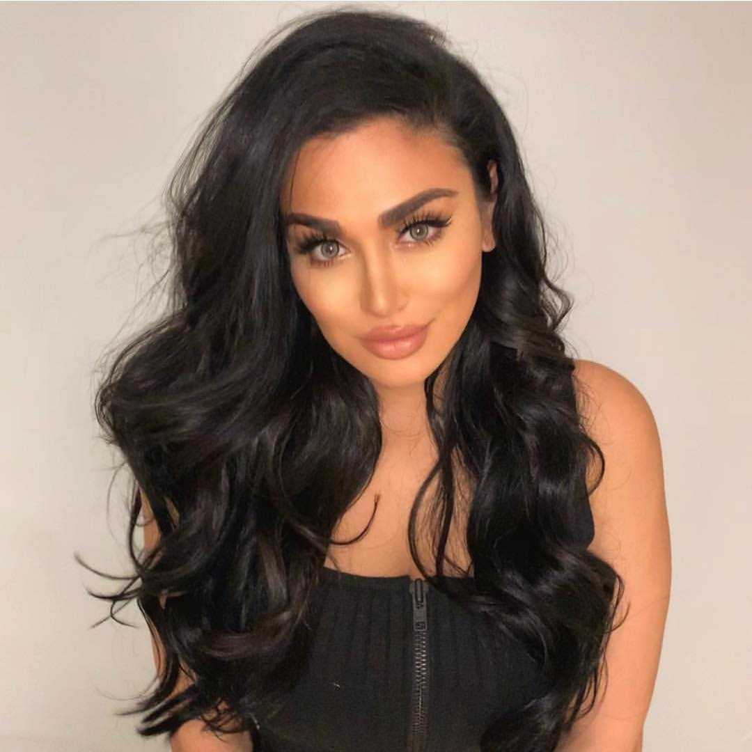 51 Hottest Huda Kattan Big Butt Pictures Which Will Make You Slobber For Her 46