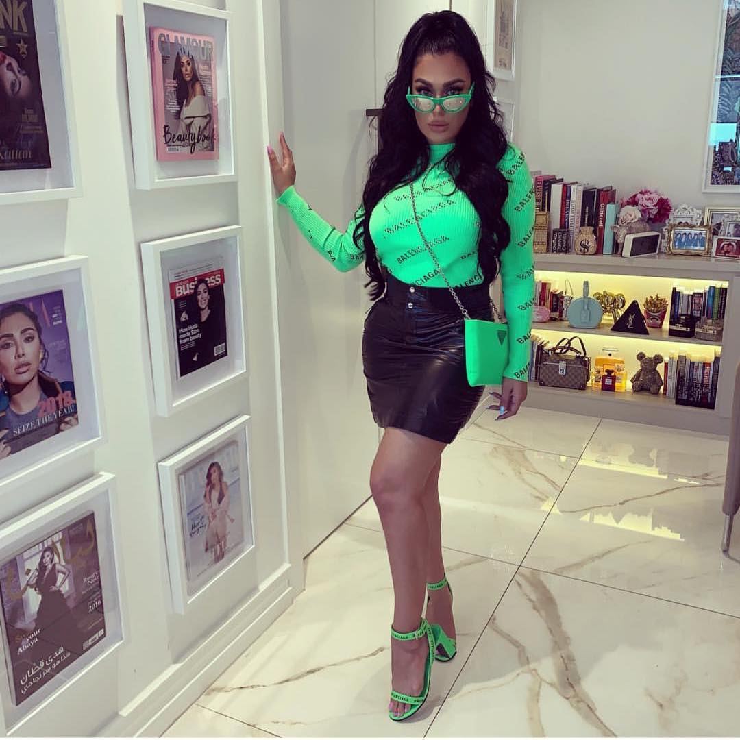 51 Hottest Huda Kattan Big Butt Pictures Which Will Make You Slobber For Her 2