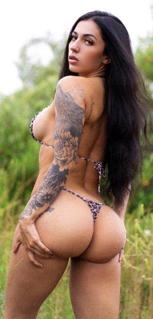 32 Sexy 'Rear View' Photos 13