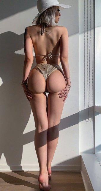 32 Sexy 'Rear View' Photos 15