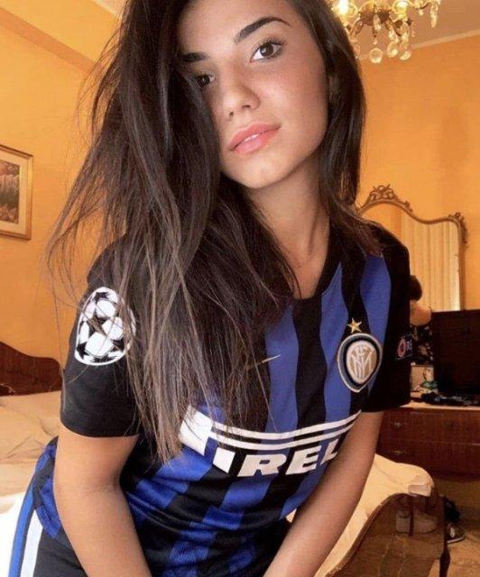The Hottest Sport Fan Girls Around The Net 2