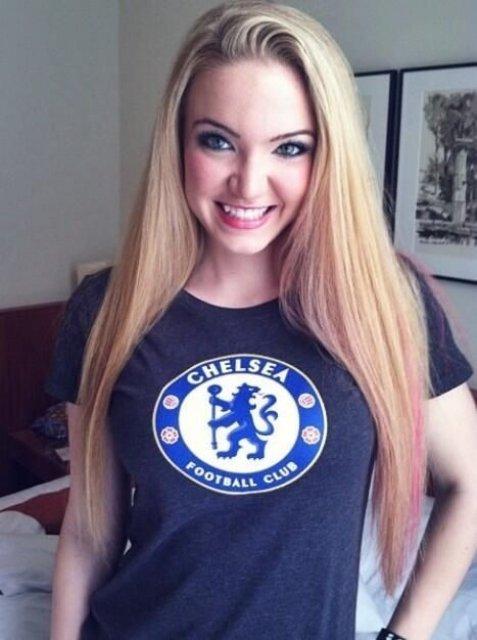 The Hottest Sport Fan Girls Around The Net 30
