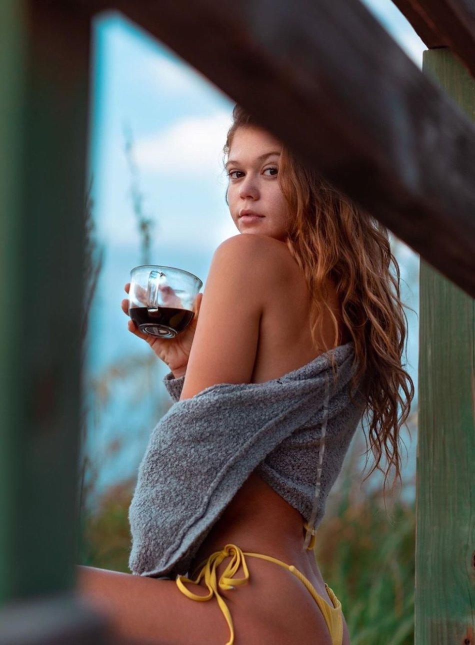 Sexy Hot Bikini Girl Wallpaper Photos Florida UCF Cecilia Florence Pic (37 Photos) 45