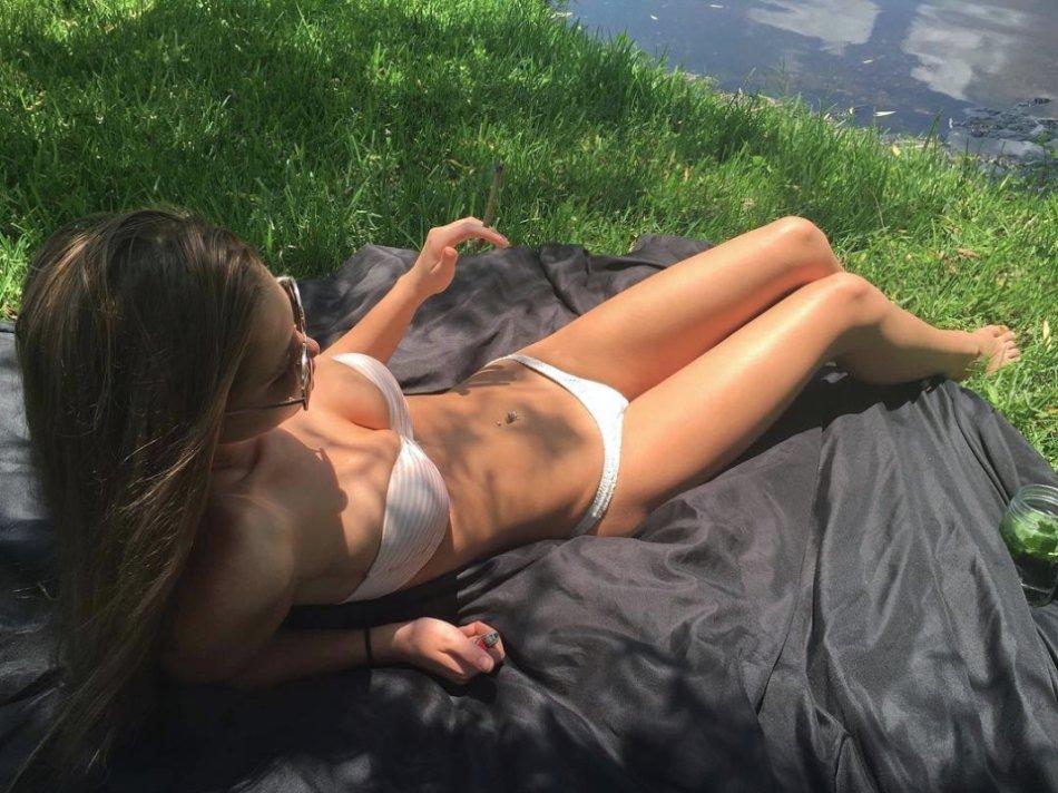 Sexy Hot Bikini Girl Wallpaper Photos Florida UCF Cecilia Florence Pic (37 Photos) 21