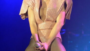 Rihanna Live in Berlin (May 2nd 2010) 5