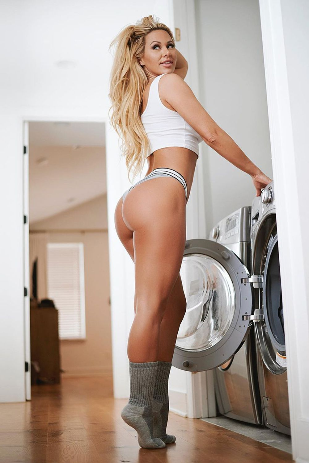 Kindly Myers – Gallery 3