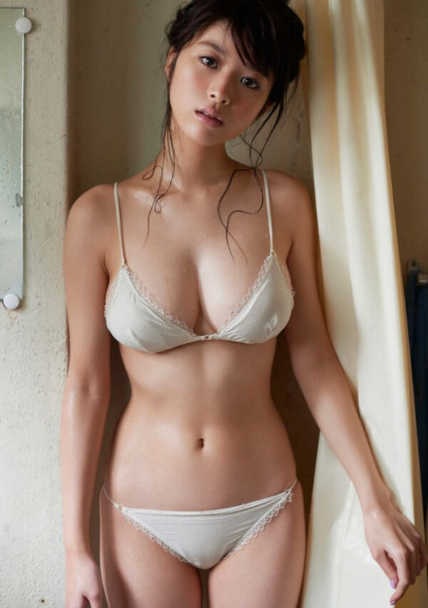 30+ Hot And Sexy Asian Beauties 18