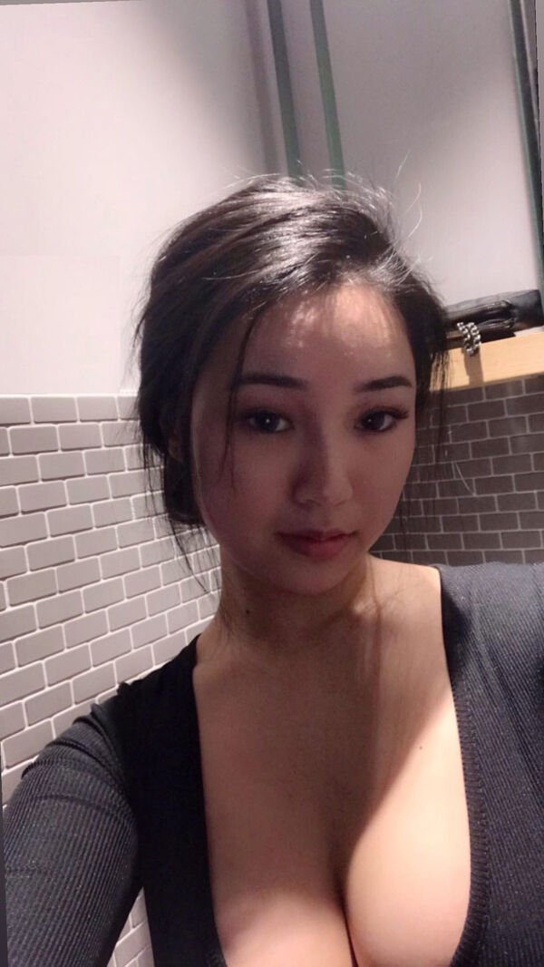 30+ Hot And Sexy Asian Beauties 26