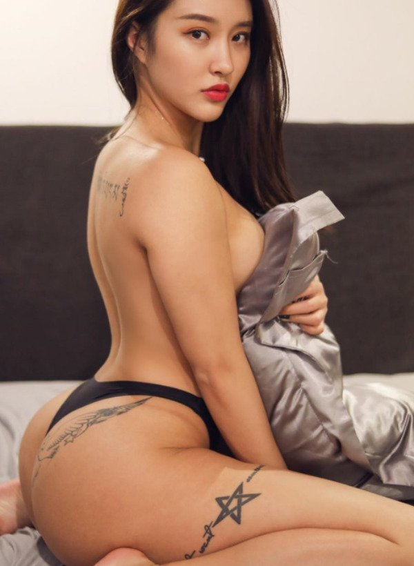 30+ Hot And Sexy Asian Beauties 37
