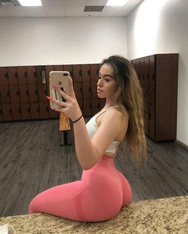 An excellent hot. We're Going Gaga for Yoga Girls (35 Photos) 7