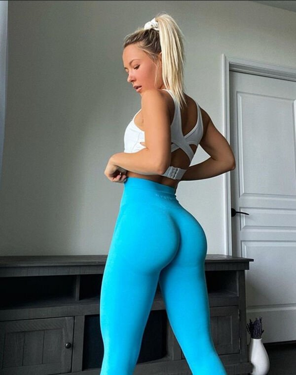 An excellent hot. We're Going Gaga for Yoga Girls (35 Photos) 34