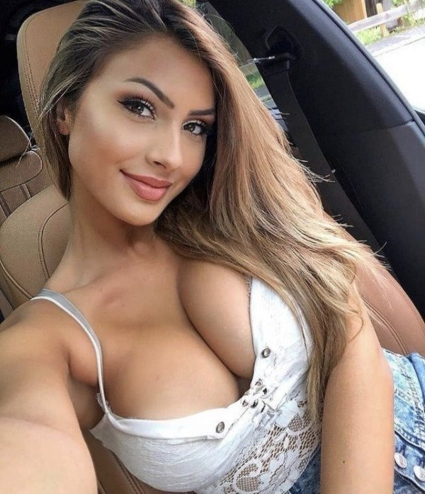61 Hot And Busty Girls 16