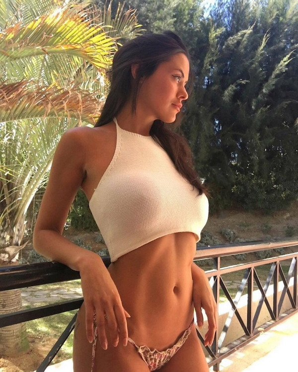 61 Hot And Busty Girls 20