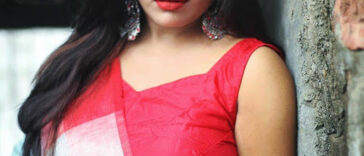 Hot Indian Model Latest Stunning Pics In Saree 22