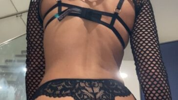 40 Sexy Girls In Lace And Fishnet 47