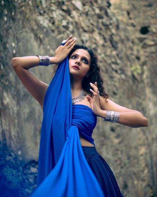Bollywood Model Radhica Dhuri Hottest Pics In Blue Dress 1