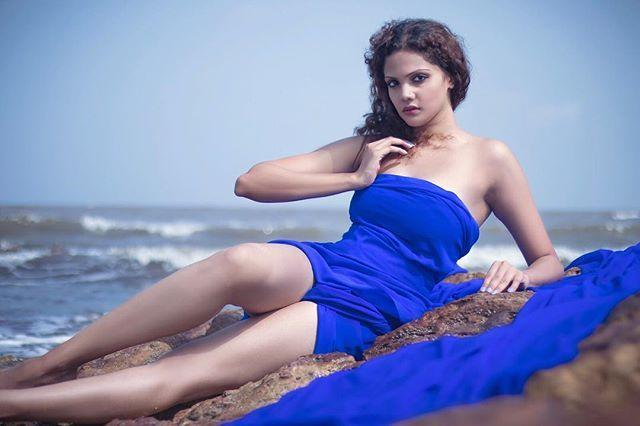 Bollywood Model Radhica Dhuri Hottest Pics In Blue Dress 2