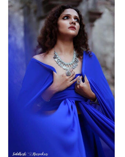 Bollywood Model Radhica Dhuri Hottest Pics In Blue Dress 5
