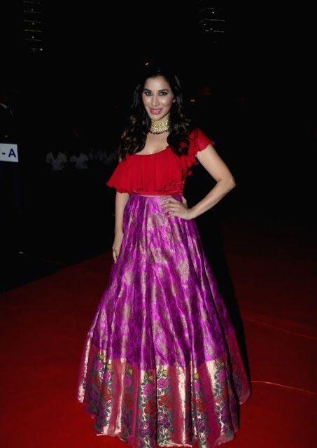 Sophie Choudry In Red Lehenga Choli At Zee TV Event 2