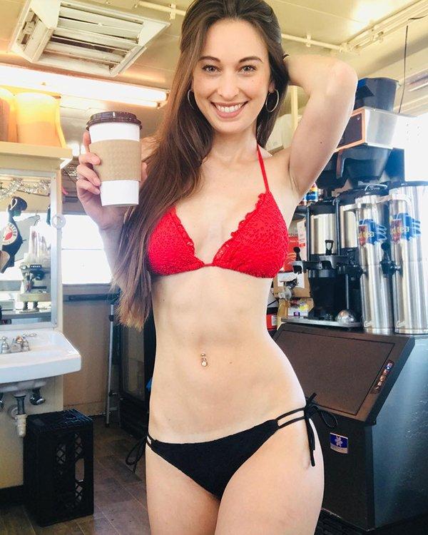 'Bikini barista' coffee shop has people whipped up into a lather (31 Photos) 7