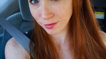 Beautiful blue eyed ginger with a sexy cherry on top. Redhead Sexy Hot Girl Photos Freckles Ginger Smile(43 Photos) 10