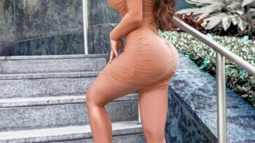Dresses So Tight You'll Lose Circulation .When cleavage is the perfect accessory to tight dresses (45 Photos) 50