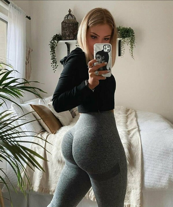 An excellent hot. We're Going Gaga for Yoga Girls (35 Photos) 14