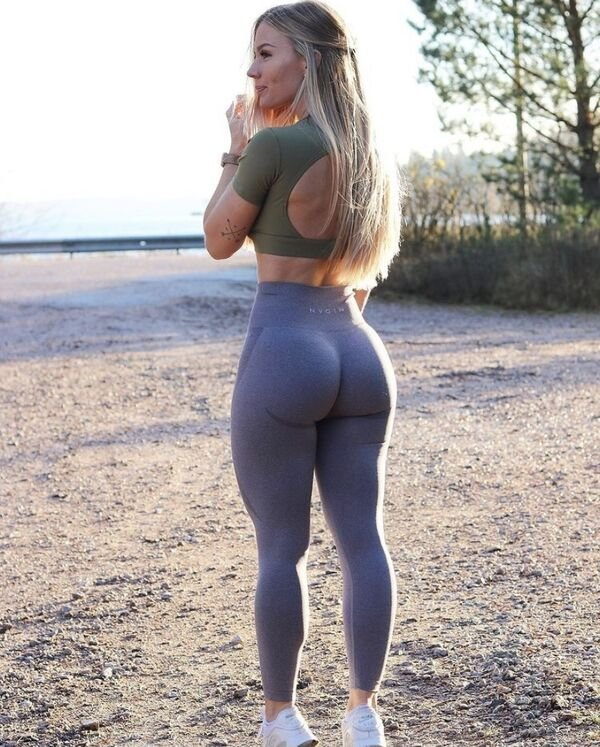 An excellent hot. We're Going Gaga for Yoga Girls (35 Photos) 29